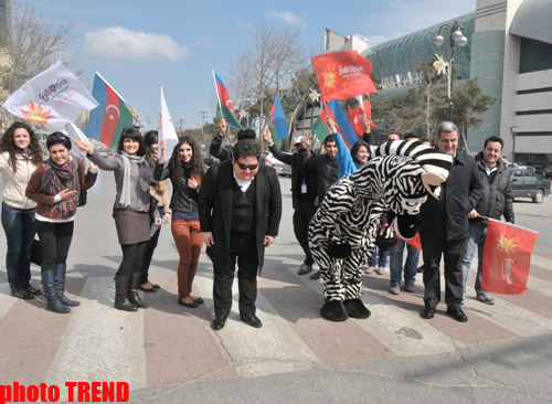 """Фан-клуб """"Евровидения"""" и Мурад Дадашов провели в Баку оригинальную акцию """"Мы видим Зебру"""" (фотосессия)"""