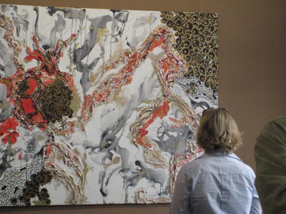 В Берлине проходит выставка работ азербайджанской художницы Кабиры Алиевой (фотосессия)
