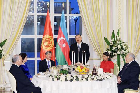Президент Ильхам Алиев: Азербайджан всегда будет рядом с Кыргызстаном в его развитии (ФОТО)