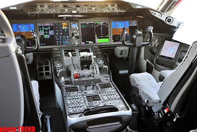 """Azərbaycan 2014-cü ildən etibarən iki """"787 Dreamliner"""" təyyarəsi alacaq (FOTO)"""