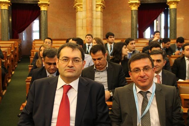 Azərbaycan gəncləri Macarıstan Parlamentində bir araya gəldi (FOTO)
