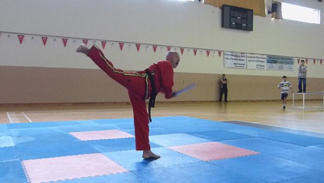 Azərbaycan döyüş sənətləri ustası Avropanı fəth edib (FOTO)