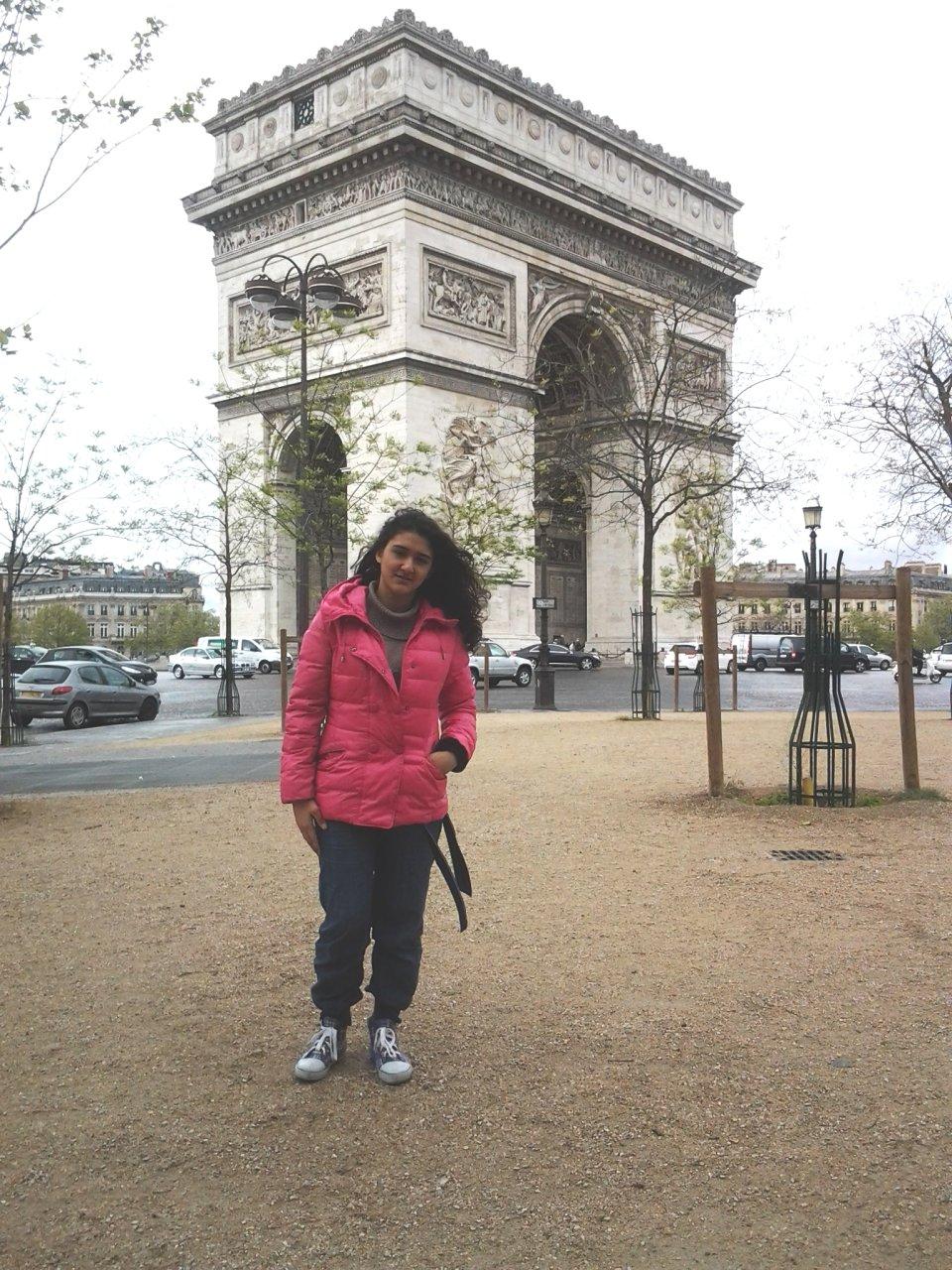 Nazxanım Dadaşova Parisdə beynəlxalq müsabiqənin qalibi olub (FOTO)