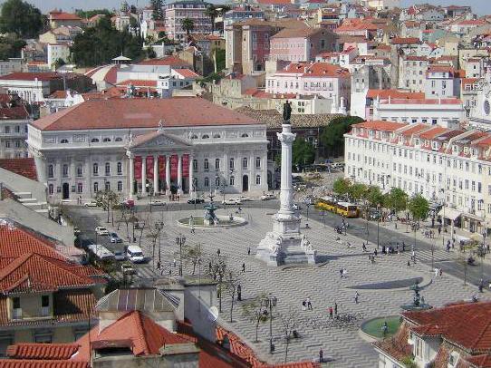 Русская делегация на«Евровидении» прошла с«Бессмертным полком» поулицам Лиссабона