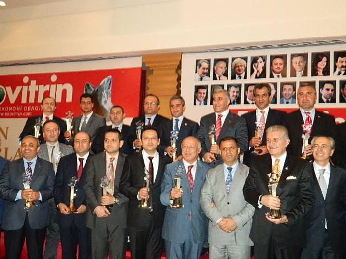 """Mehriban Əliyeva """"İlin birinci xanımı"""" mükafatı ilə təltif edilib (FOTO)"""