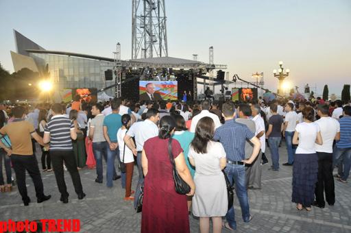 Bakıda bayram konserti və möhtəşəm atəşfəşanlıq olub (FOTO)