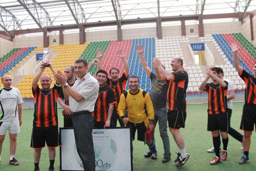 """""""AtaBank""""ın Qurtuluş Gününə həsr olunmuş futbol turniri başa çatdı (FOTO)"""