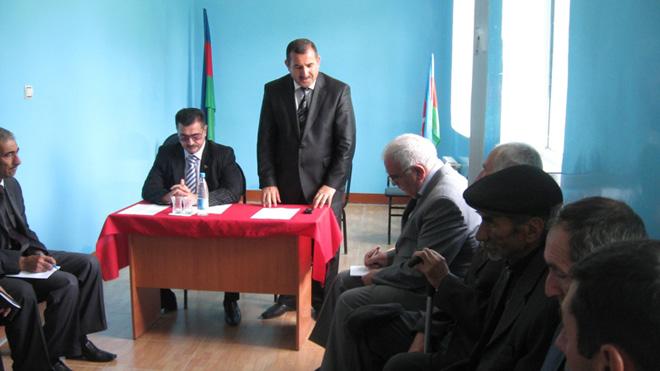 Millət vəkili seçiciləri ilə görüşüb (FOTO)