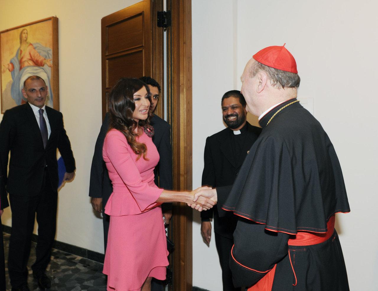 Heydər Əliyev Fondu ilə Vatikan arasında razılaşma imzalanıb (FOTO)