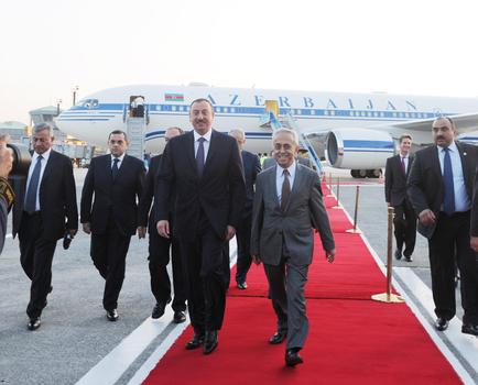 Azərbaycan Prezidenti Türkiyəyə işgüzar səfərə gəlib (FOTO)