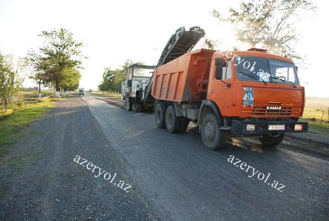 Bərdə-İstisu avtomobil yolunun Bərdə-Tərtər hissəsinin əsaslı təmiri davam etdirilir (FOTO) (VİDEO)