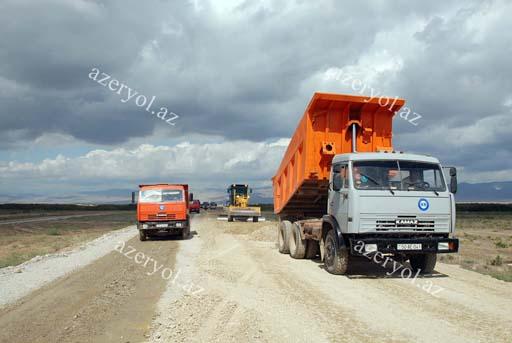 Şamaxı-Padar avtomobil yolu yenidən qurulur (FOTO)
