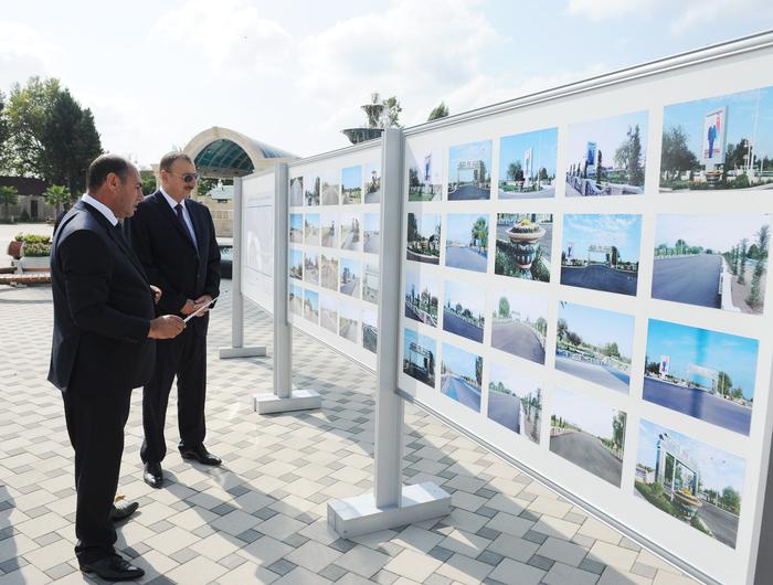 İlham Əliyev Bərdədə yenidən qurulmuş mərkəzi istirahət parkı ilə tanış olub (FOTO)