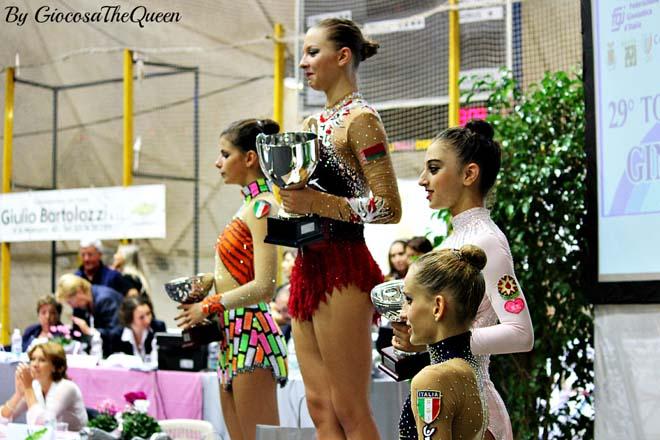 Azərbaycan gimnastları beynəlxalq turnirdə birinci yeri tutublar (FOTO)