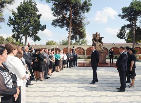 Prezident İlham Əliyev Bərdədəki Nüşabə parkında yaradılmış şəraitlə tanış olub (FOTO)