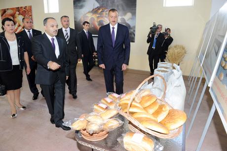 Prezident İlham Əliyev Bərdədə çörək zavodunu açıb (FOTO)