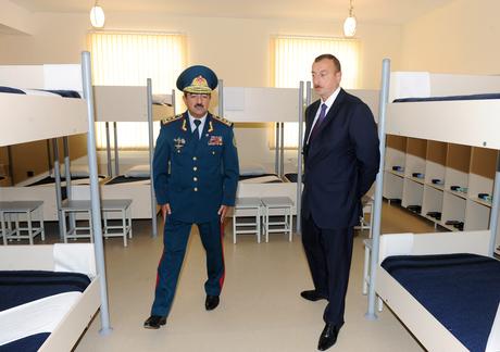 İlham Əliyev Dövlət Sərhəd Xidmətinin Yevlaxdakı yeni hərbi hissəsinin açılışında iştirak edib (FOTO)