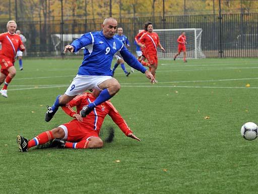 Azərbaycan və Rusiyanın veteran futbolçuları qarşılaşıblar (FOTO)