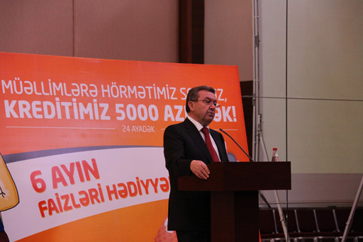 """""""Unibank""""dan müəllimlər üçün kredit kartı (FOTO)"""