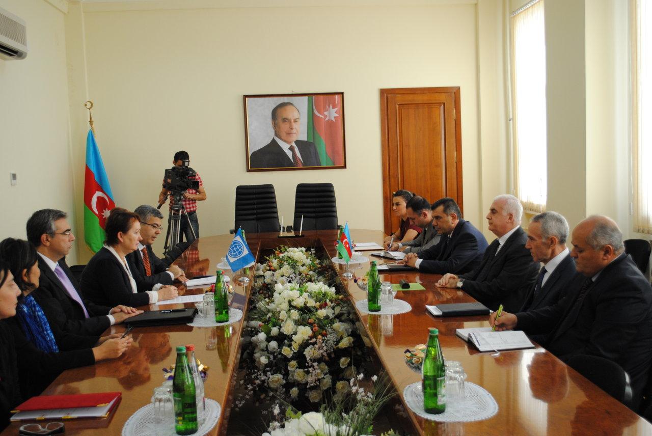 Azərbaycan hökuməti ilə Beynəlxalq Yenidənqurma və İnkişaf Bankı arasında kredit sazişi imzalanıb  (FOTO)