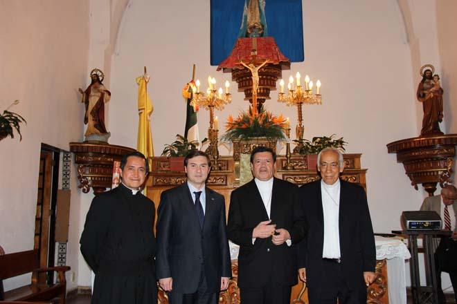 Mexiko şəhərindəki kilsədə Azərbaycan hökuməti tərəfindən ianə edilmiş üç kilsə zəngi istifadəyə verildi (FOTO)