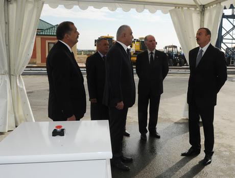 İlham Əliyev İmişlidə taxıl anbarı kompleksinin açılışında iştirak edib (FOTO)