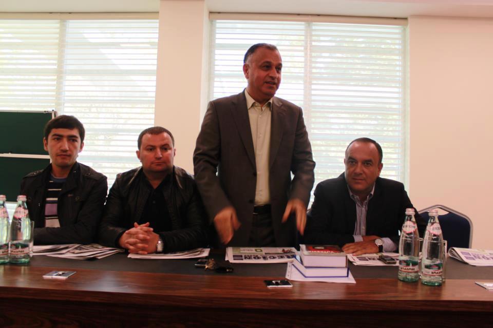 Jurnalistlər Gürcüstanda Azərbaycan ziyalılarının xatirəsini yad ediblər (FOTO)