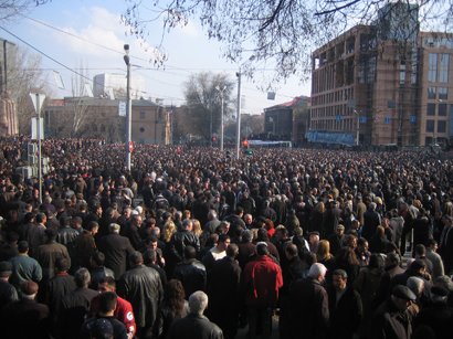 Armenians protest Sargsyan's appointment as PM