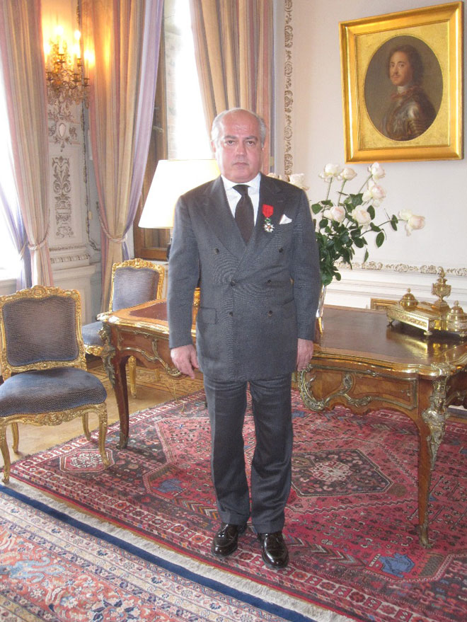 Председателю Бакинского Фонда наследия Нобелей вручена высшая награда Франции (ФОТО)