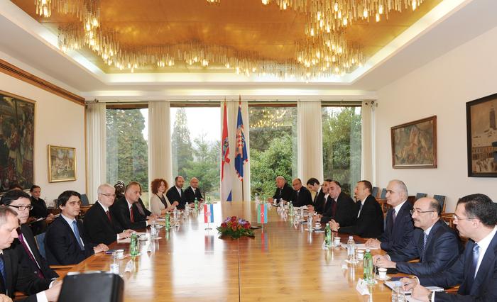 Presidents of Azerbaijan and Croatia hold expanded meeting (PHOTO)