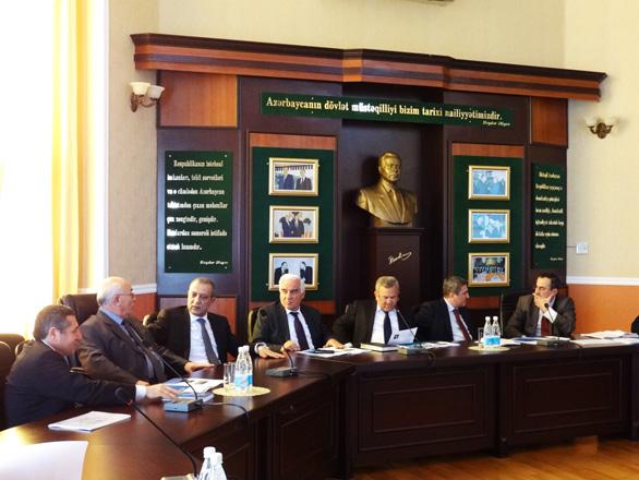 Представитель Института метанола США провел встречи в ряде госведомств Азербайджана (ФОТО)