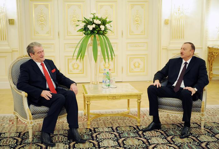 İlham Əliyev Albaniyanın Baş nazirinin başçılıq etdiyi nümayəndə heyətini qəbul edib