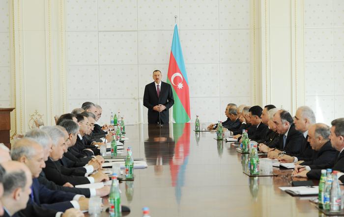 Prezident İlham Əliyev: Ümid edirəm ki, 2013-cü il xüsusilə, iqtisadiyyatın qeyri-neft sektorunun inkişafında rekord ili olacaq (FOTO)