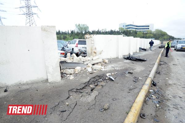 Bakıda zəncirvari ağır yol qəzası baş verib, iki nəfər ölüb, beş nəfər xəsarət alıb (ƏLAVƏ OLUNUB 2)(FOTO)