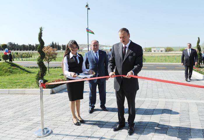 Президент Азербайджана принял участие в открытии Молодежного центра в Гобустане  (ФОТО)