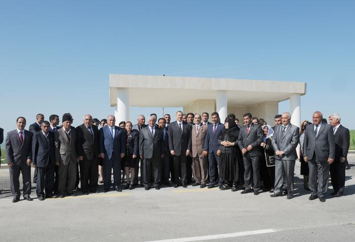 Президент Азербайджана ознакомился с реконструкцией автомобильной дороги Гобустан-Хильмилли (ФОТО)