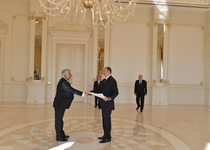 Президент Азербайджана принял верительные грамоты посла Пакистана (ФОТО)