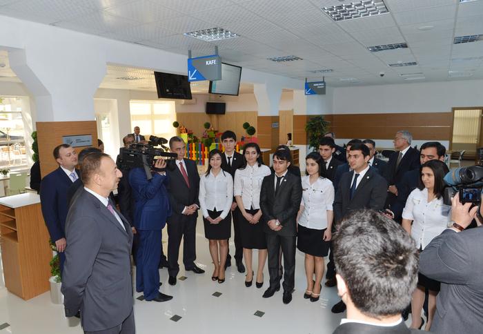 Президент Ильхам Алиев: Новые промышленные предприятия и технопарки привлекут в Сумгайыт рабочую силу из соседних регионов (версия 2) (ФОТО)