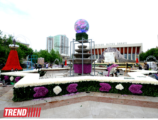 В Баку готовятся к Празднику цветов (ФОТО)