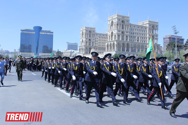 В центре Баку состоялось военное шествие (ФОТО)
