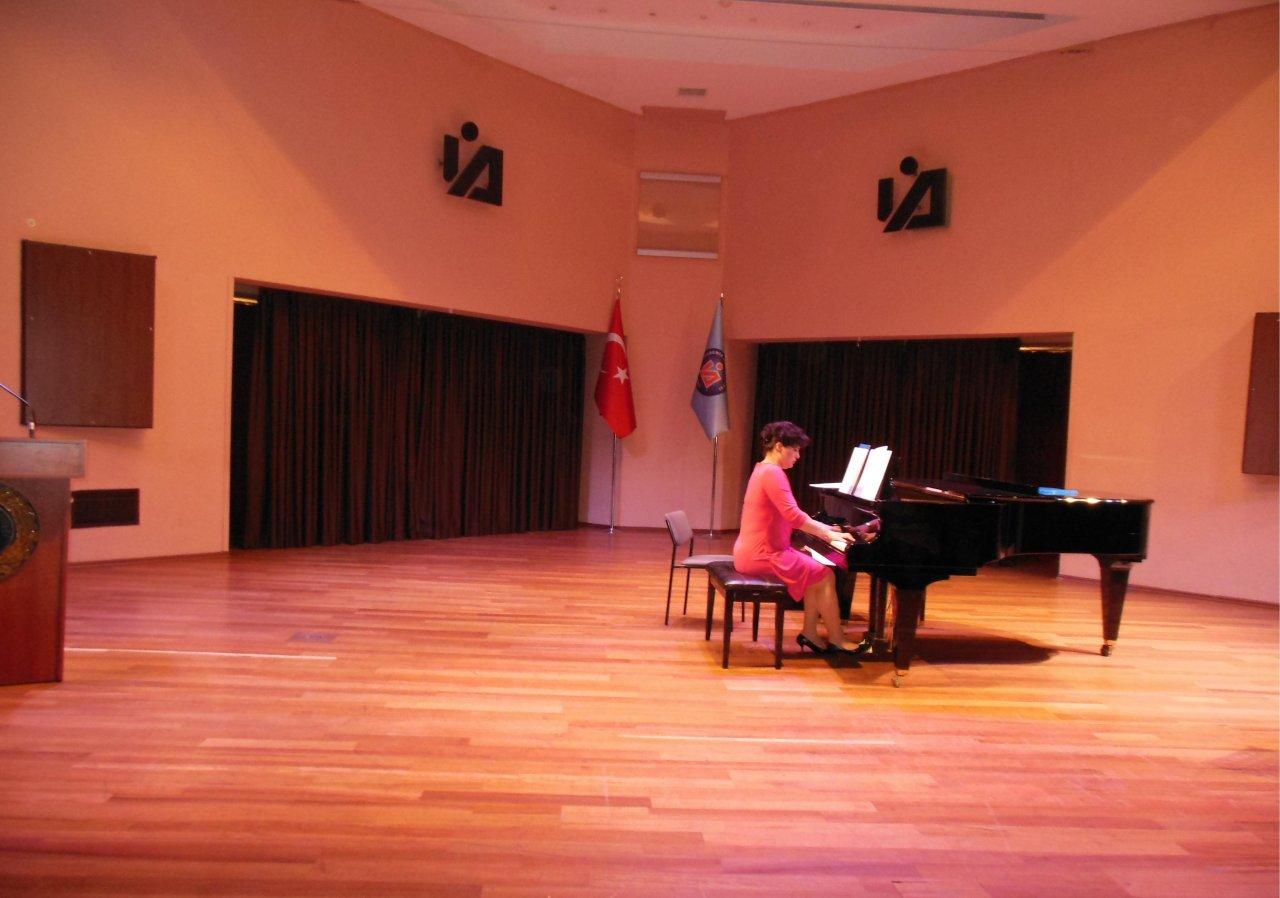 Произведения Хадиджи Зейналовой прозвучали в Турции (фото)