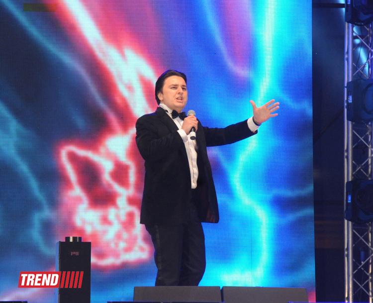 В Национальном парке состоялся концерт и фейерверк в честь 90-летия общенационального лидера Гейдара Алиева (ФОТО)