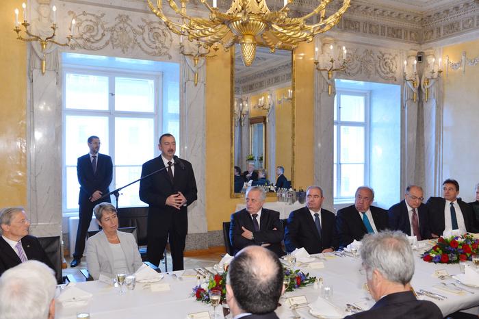 В Вене в честь Президента Азербайджана и его супруги был дан официальный ланч (ФОТО)