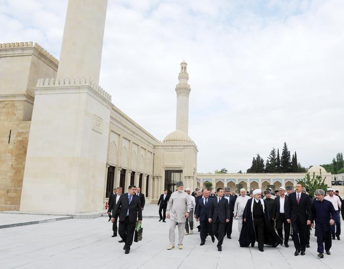 Президент Ильхам Алиев: Азербайджан, как независимое государство, вносит свой вклад в исламскую солидарность (ФОТО)