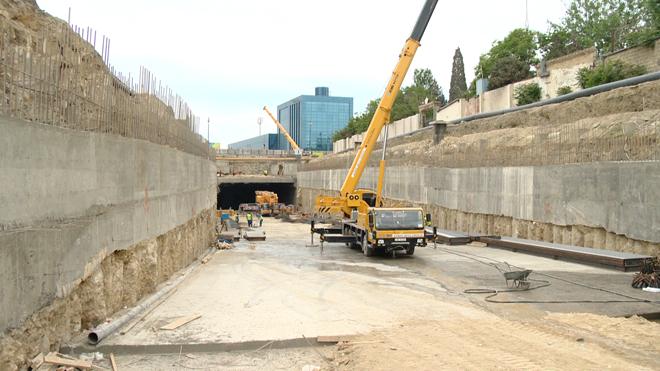 Ведется подготовка к строительству подземного тоннеля под одним из проспектов столицы Азербайджана (ФОТО)
