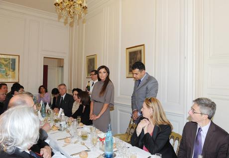 Первая леди Азербайджана провела встречи в Национальной ассамблее и Сенате Франции (ФОТО)