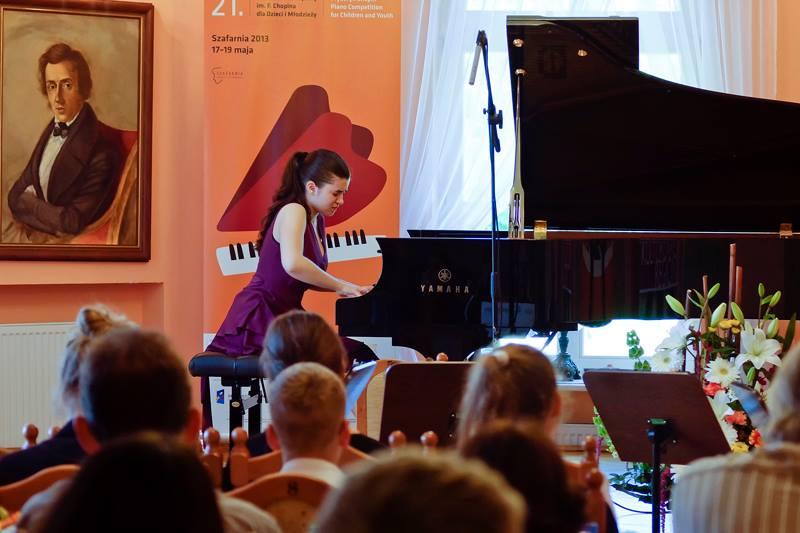 Успех юной азербайджанской пианистки Нармин Наджафли на конкурсе в Польше (фото)