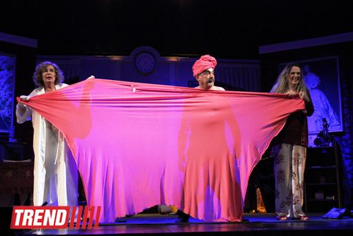 """В Баку состоялся бенефис """"Королевы сцены"""" -  премьера комедии """"Жениха вызывали, девочки?""""  (фотосессия)"""
