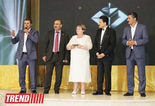 В Баку состоялась церемония награждения деятелей культуры и искусства, телевидения и СМИ (фото)