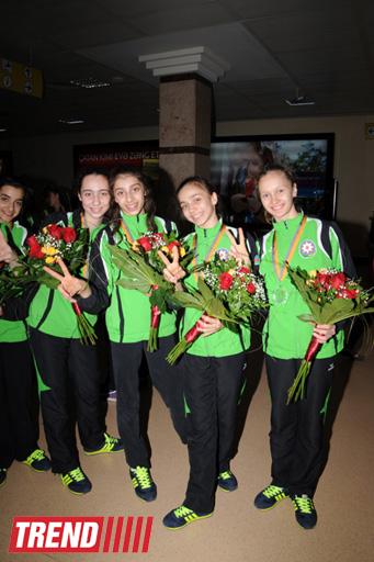 Азербайджанские гимнастки, успешно выступившие на Чемпионате Европы, вернулись в Баку (ФОТО)
